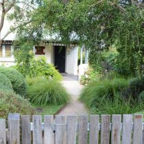 Yvonnes_Front garden with fence.jpg