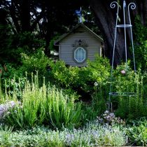 Musk Farm_Hut with garden.jpg